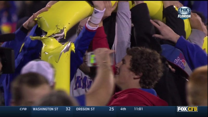 Illustration for article titled Forgive Kansas Fans, They Don't Know How To Tear Down Goalposts