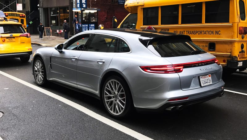 Illustration for article titled What Do You Want To Know About The 2018 Porsche Panamera Turbo Sport Turismo?