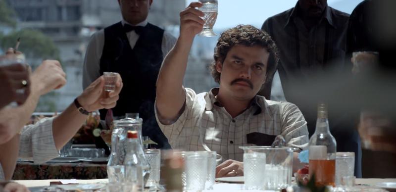 Illustration for article titled Narcos es crimen en estado puro: la vida de Pablo Escobar como nunca la has visto