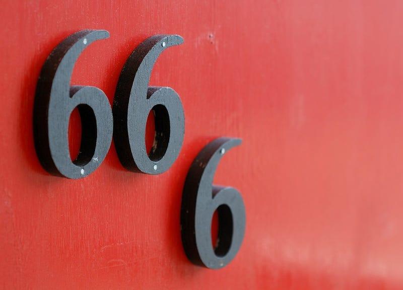 Illustration for article titled El significado oculto detrás del número de Satanás en la Biblia: 666