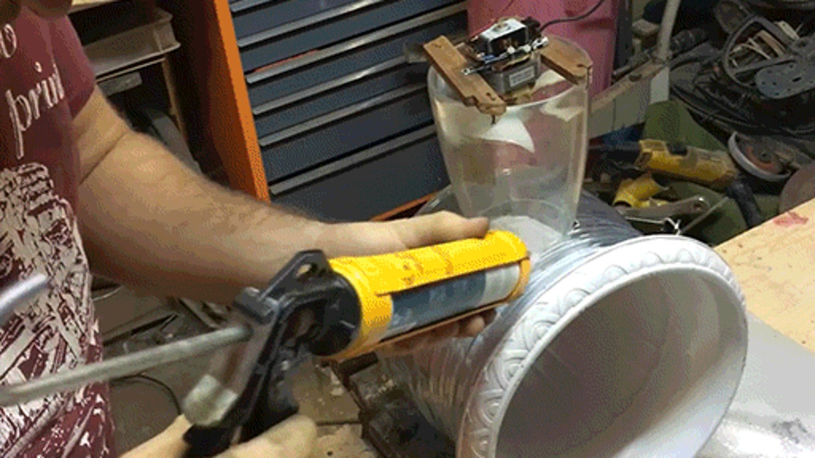 How to Make a DIY Dyson Bladeless Fan with a Water Jug and a Plant Vase