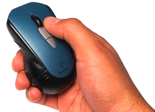 Illustration for article titled Gyration M2000 Travel Air-Mouse Offers Greater Precision in Air or Desktop