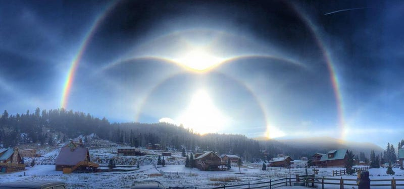 Illustration for article titled Eight Types Of Ice Halos Are Crammed Into One Glorious Winter Photo