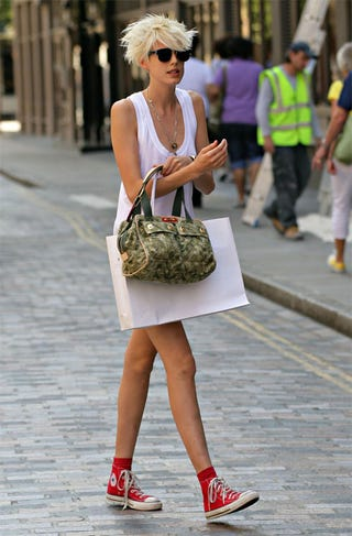 Illustration for article titled Converse-Clad Agyness Deyn Is Headed For A Trip Down Cobblestone Lane