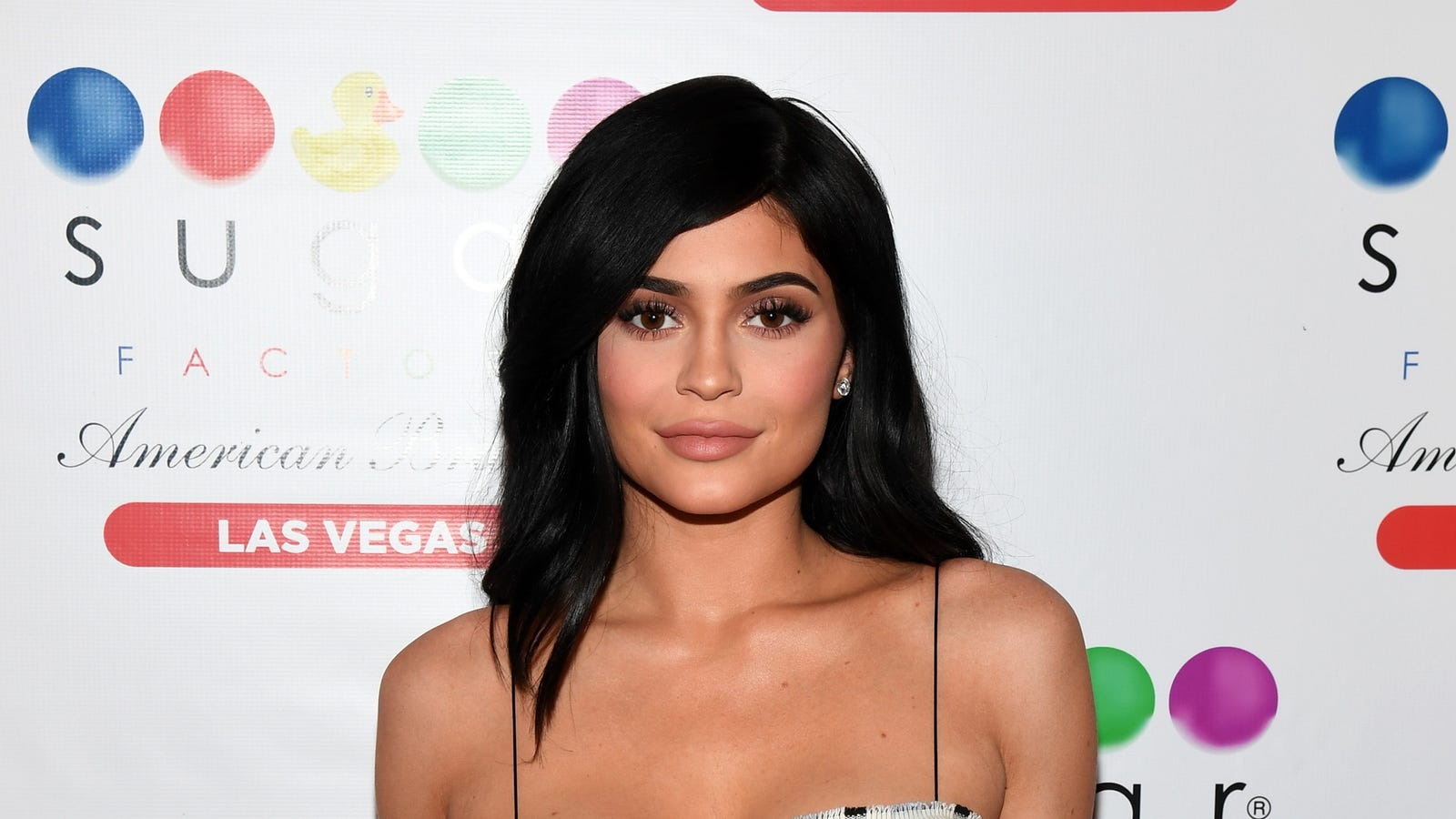 jcbazpzt4kfil4ccugtu - You Guys Are Really Pissed About Kylie Jenner's Nails, Huh