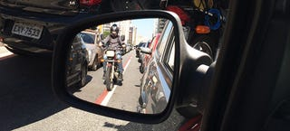 Illustration for article titled California Could Finally Put A Lane-Splitting Law On The Books