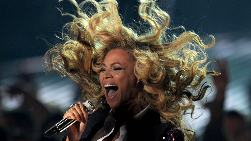 Illustration for article titled Beyoncé Crashed Someone's Karaoke While They Were Singing Beyoncé