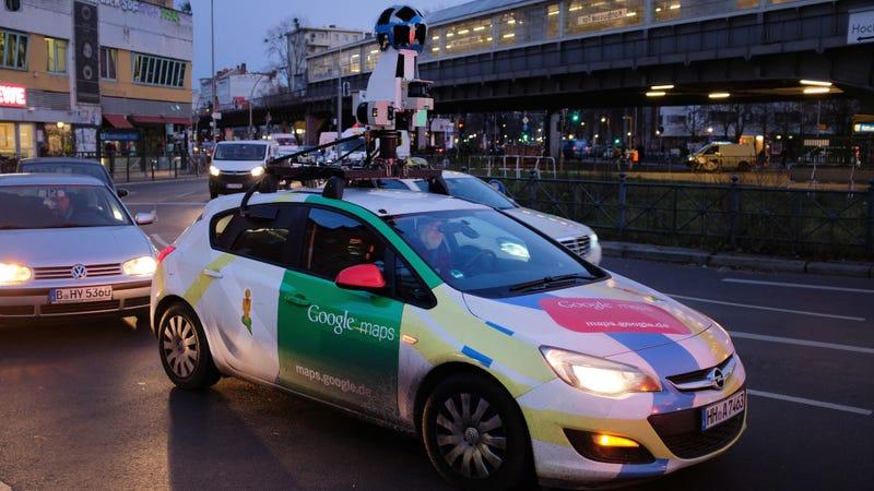 Illustration for article titled Google pagará $13 millones por espiar redes wifi durante años con los coches de Street View
