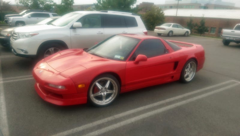 Illustration for article titled Spotted in Ithaca: NSX!