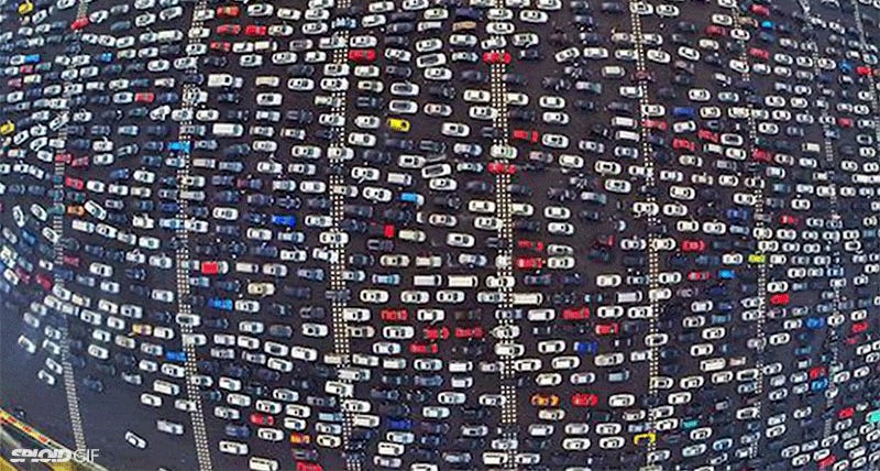 Illustration for article titled China has some of the most insane traffic jams on this planet
