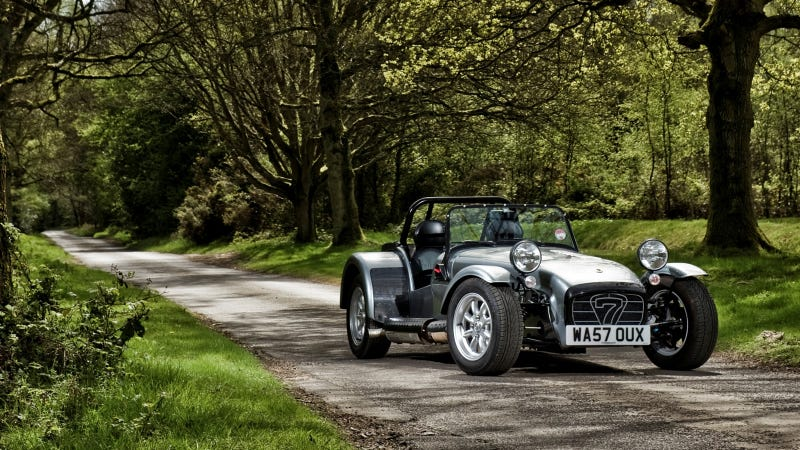 Illustration for article titled Your ridiculously cool Caterham Seven wallpaper is here