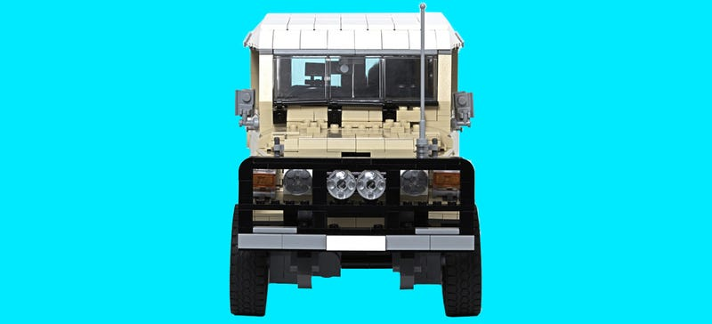 Illustration for article titled This Expertly Detailed Lego Land Cruiser Could Become An Official Kit!