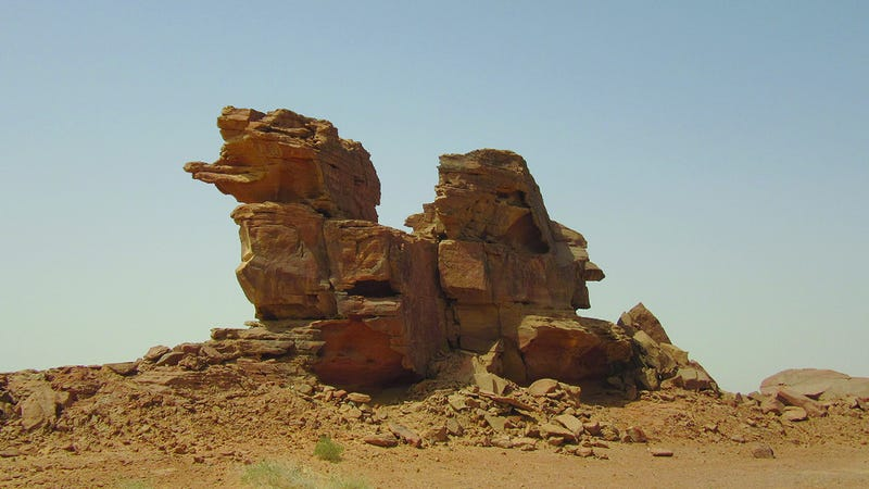 One of three sandstone outcrops, or spurs, containing the sculptures. (Image: G. Charloux et al., 2018)