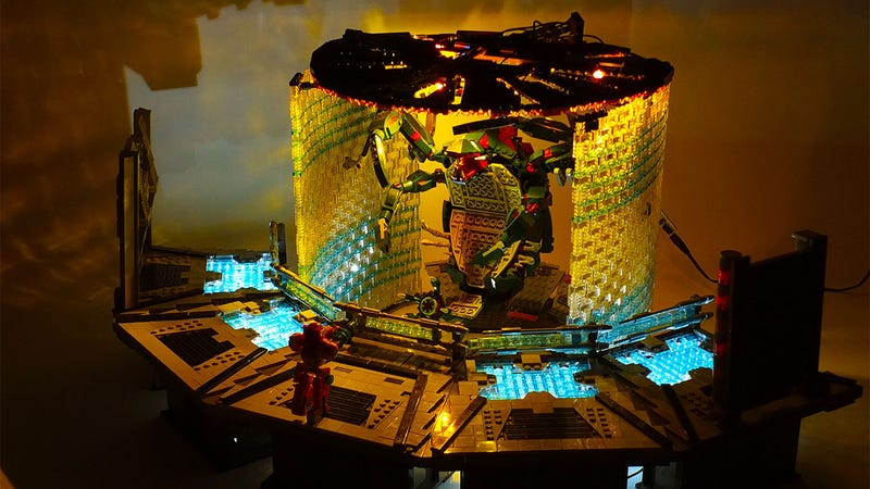 Illustration for article titled Metroid Prime's First Boss Battle Captured Perfectly In Lego