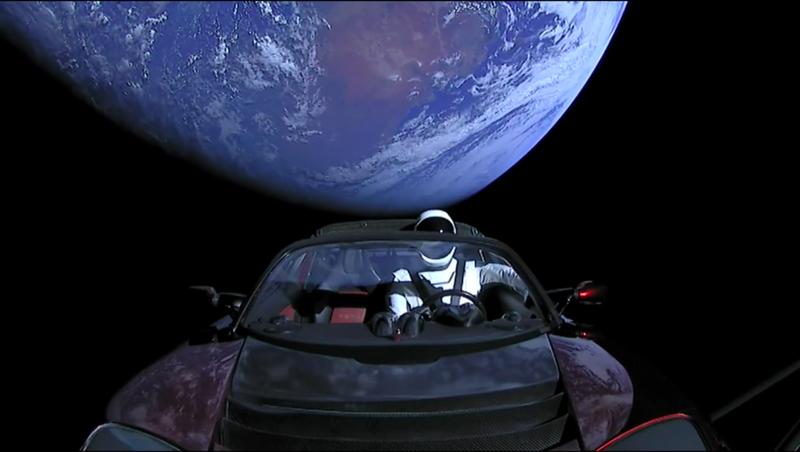 Illustration for article titled Qué hay en realidad en el maniquí que Elon Musk lanzó al espacio