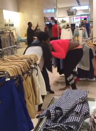 Brawl at Philadelphia mall captured in viral videoYouTube screenshot