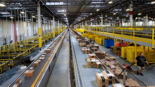 Amazon Is the Post Office s Best Friend, No Matter What Trump Tweets