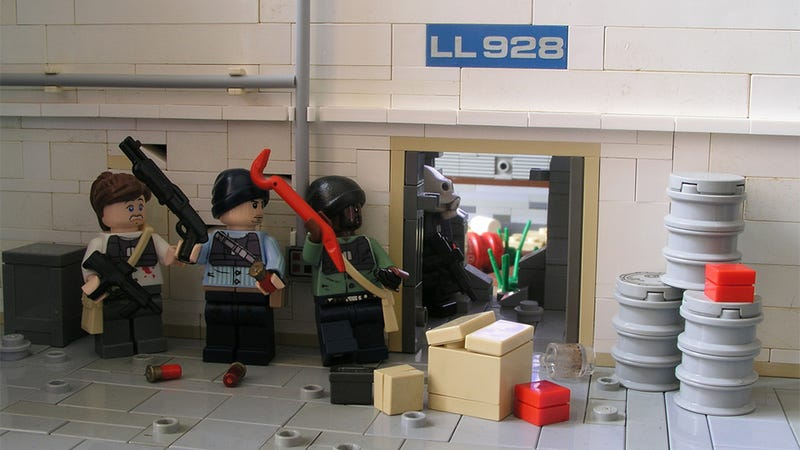 Illustration for article titled The Triumphant Return of Half-Life 2 LEGO