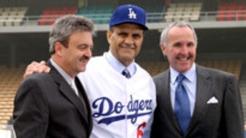 Illustration for article titled Joe Torre Signs Classiest Contract In Managerial History