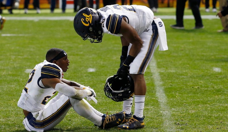 Illustration for article titled A Non-Exhaustive List Of Batshit Stuff That Happened During The Cal-TCU Bowl Game