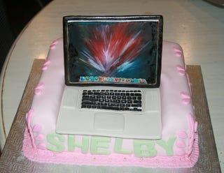 Illustration for article titled Let Them Eat Cake... Macbook Cake