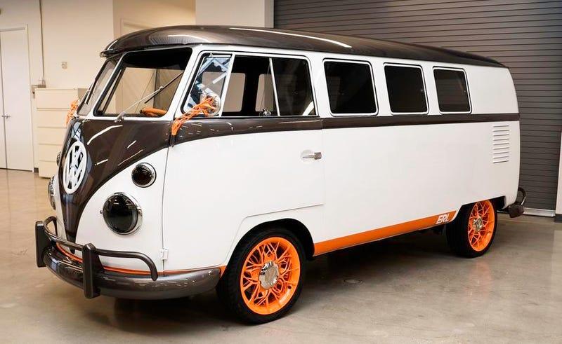 Illustration for article titled Así es la VW Type 20, la furgoneta eléctrica retro de Volkswagen