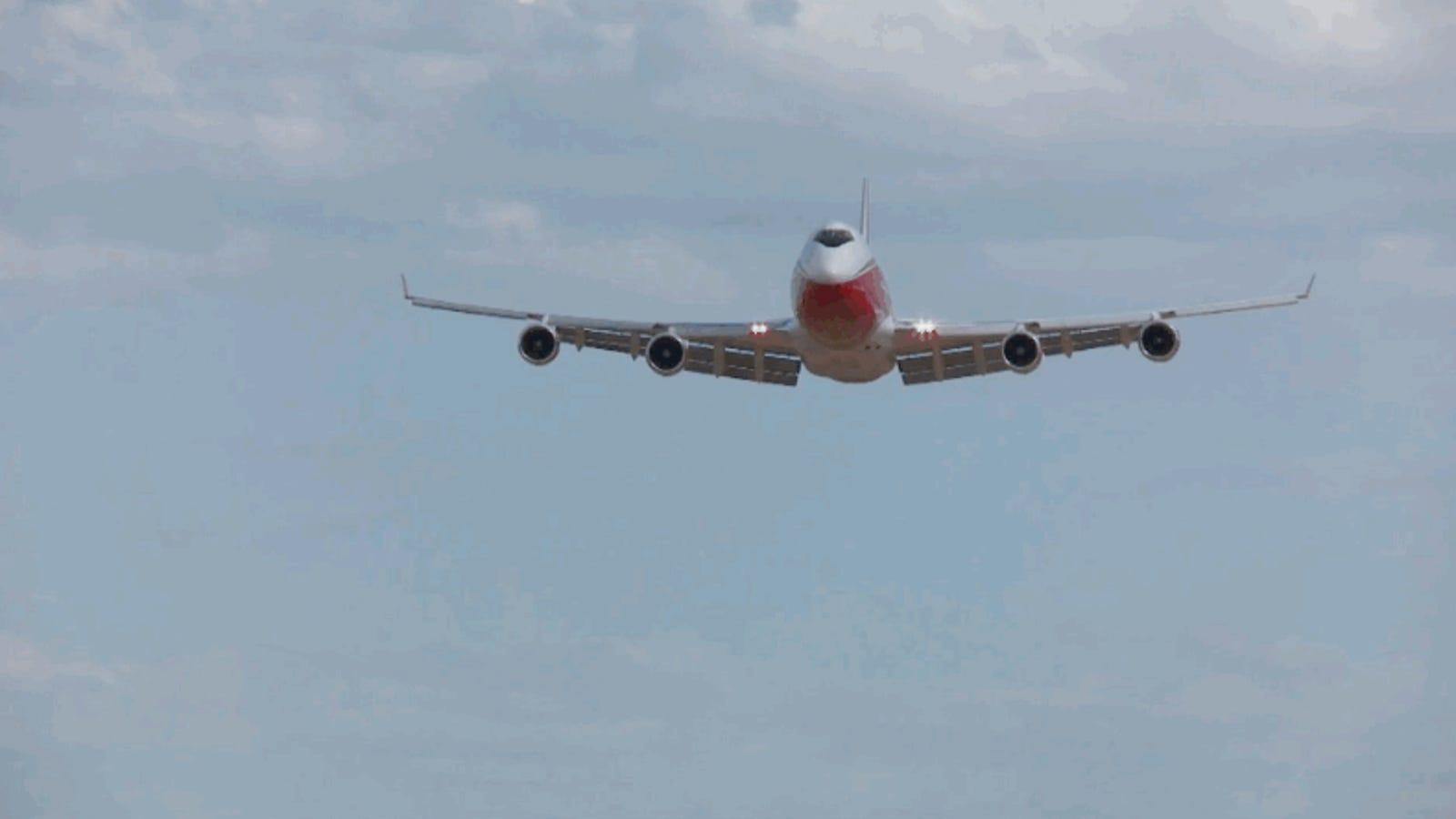 Un 747 armado con 74.000 litros: así es el avión contraincendios más grande del mundo