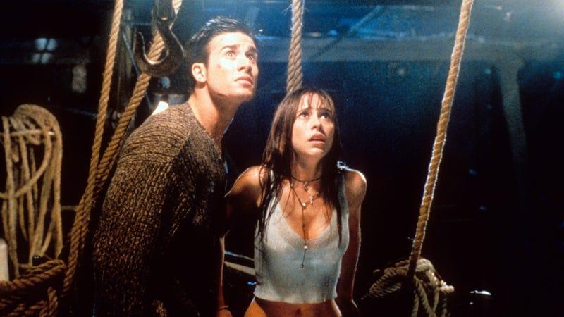 Freddie Prinze Jr. and Jennifer Love Hewitt in I Still Know What You Did Last Summer