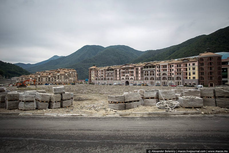 Illustration for article titled Just Six Months After the Olympics, Sochi Looks Like a Ghost Town