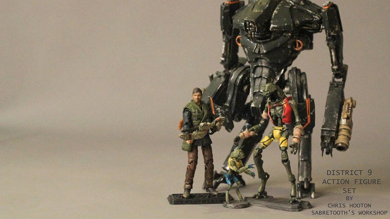 Illustration for article titled District 9 Action Figures Are Fokkin' Terrific