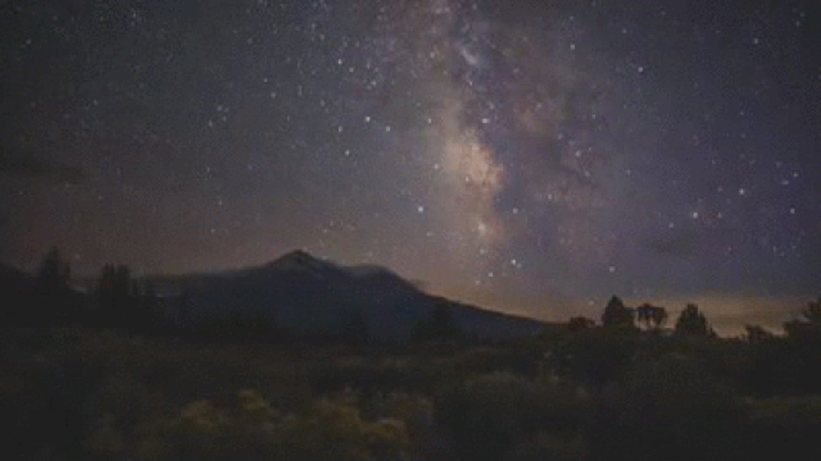 Learn How to Make Milky Way Time-Lapses in About 20 Minutes