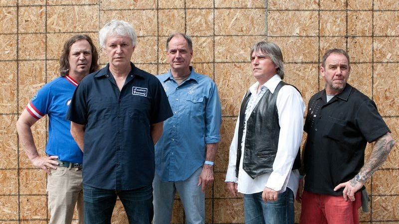 Illustration for article titled Guided By Voices keeps grasping at former glory with a reunited lineup