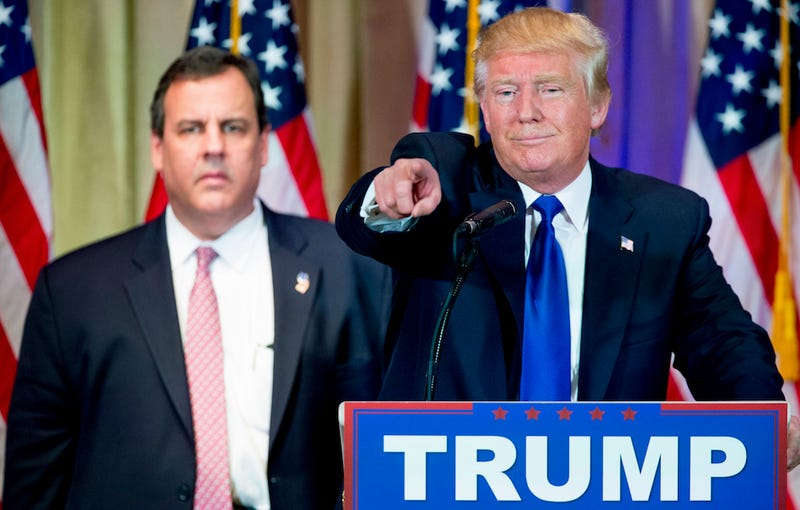 Illustration for article titled Chris Christie Clarifies That He Is Not Currently 'Being Held Hostage' By Donald Trump