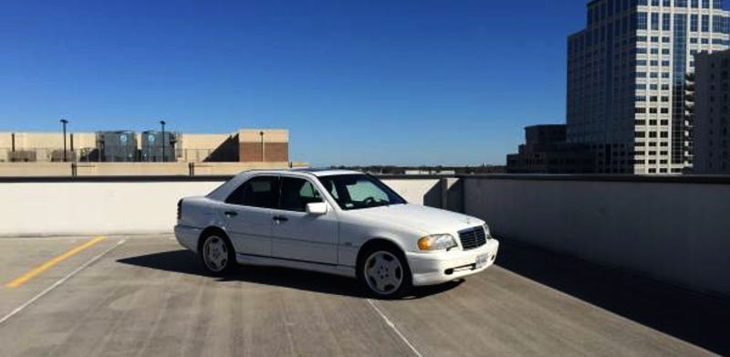 Illustration for article titled For $3,600, This 1998 Mercedes C43 AMG Is A Fixer-Upper