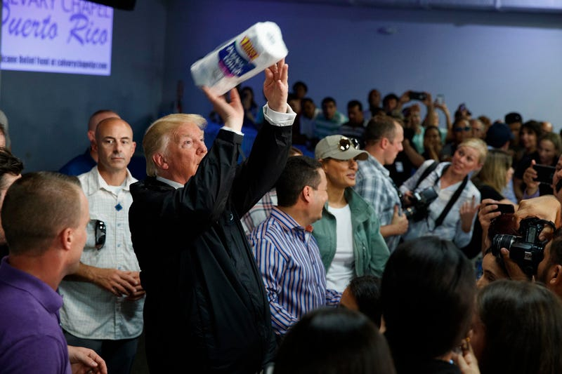 Look at This Trash Human Throwing Paper Towels Into the Crowd in Puerto Rico