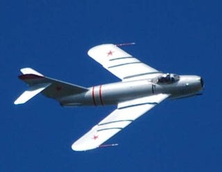 Illustration for article titled Mig-17F Invades Iowa Skies, Performs Afterburner Hoonage