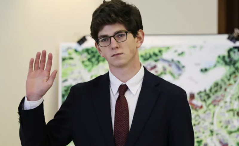 Illustration for article titled St Paul's School Sex Offender Owen Labrie Ordered to Begin Jail Sentence After Christmas