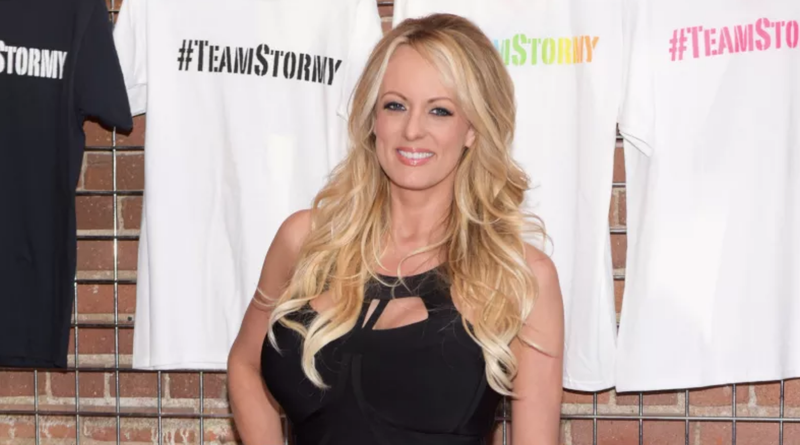 Illustration for article titled Stormy Daniels Now Says Michael Avenatti Went Against Her Wishes When He Sued Trump for Defamation