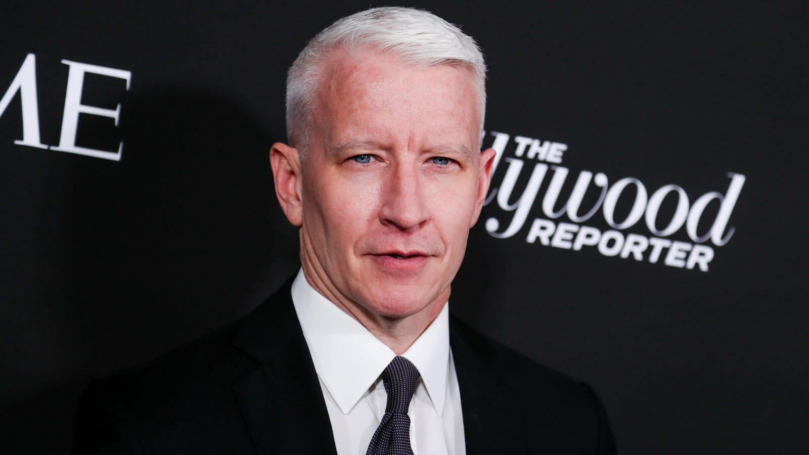 Anderson Cooper Inherits 200 Million, Lindsay Lohan Posts -8441