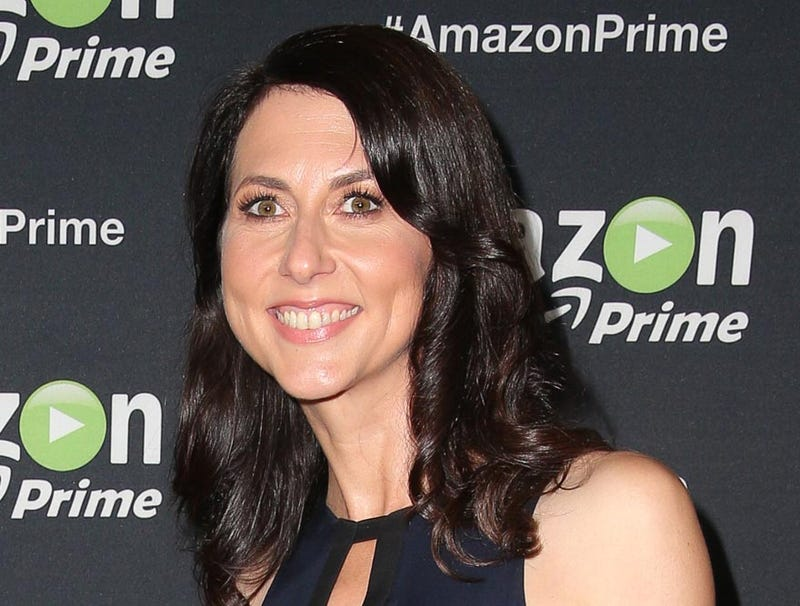 Illustration for article titled MacKenzie Bezos Gains Huge Win In Divorce Settlement After Successfully Retaining No Stake In 'Washington Post'