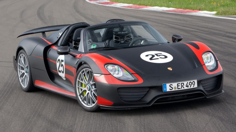 Illustration for article titled The Porsche 918 Spyder Celebrates its World Debut at the IAA 2013