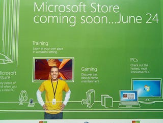 Illustration for article titled Microsoft's San Diego Store Opening On iPhone 4 Launch Day