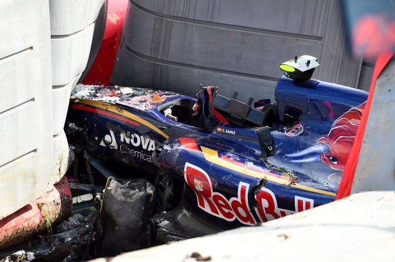 Illustration for article titled Carlos Sainz Jr. Miraculously OK To Race After Horrifying F1 Crash Under Barrier
