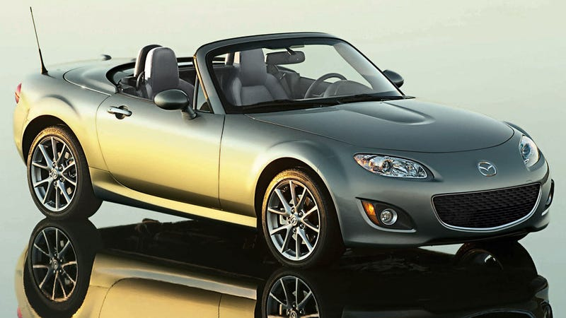Illustration for article titled 2011 Mazda MX-5 Special Edition's a shiny silver goody bag