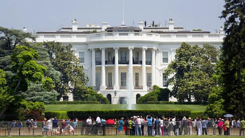 Illustration for article titled Crowd Outside White House Hoping To Catch Glimpse Of President Naked