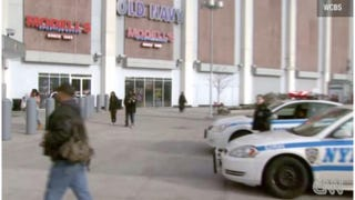 Teens reportedly stormed through a Brooklyn, N.Y., mall in on Thursday, disrupting post-holiday shopping.WCBS