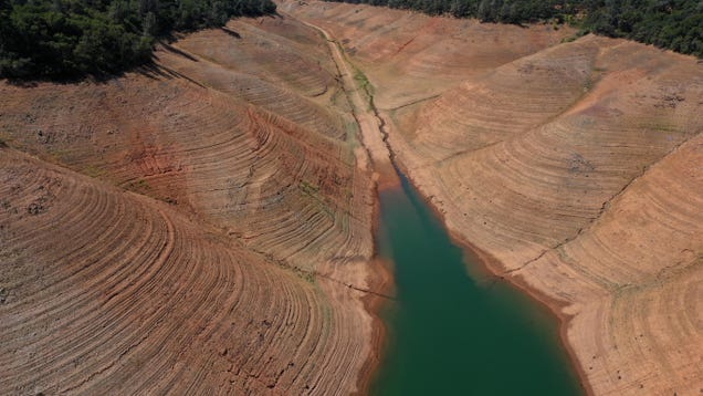 California's Megadrought Is Making Water Taste Like Ass