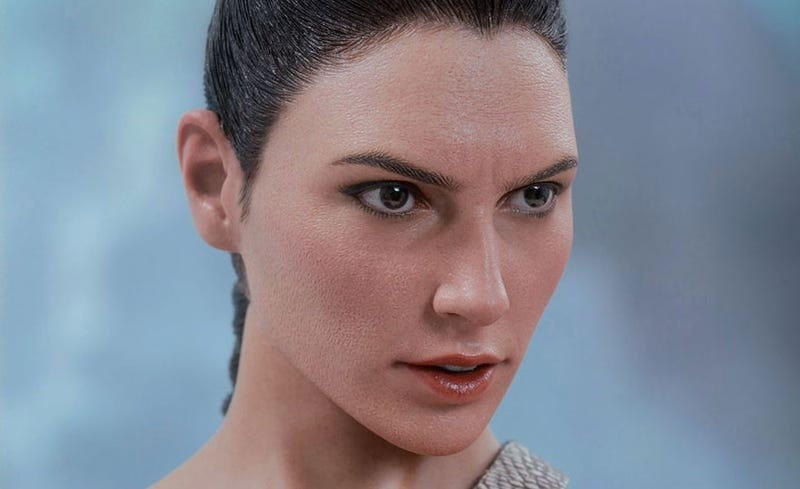 Illustration for article titled Wonder Woman Figure Is So Lifelike It's A Little Unsettling