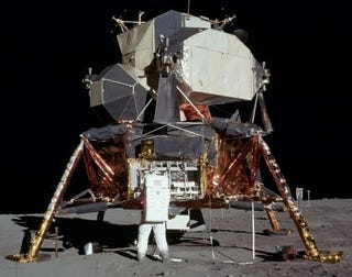 Illustration for article titled Full-Scale, Customizable Lunar Lander Replica For Sale