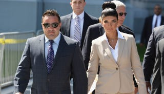 Illustration for article titled Teresa Giudice Keeps Priorities in Order, Tweets From Prison